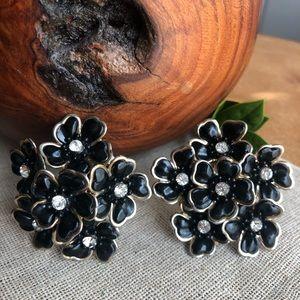 Vintage Mod 50's Black Floral Clip Earrings